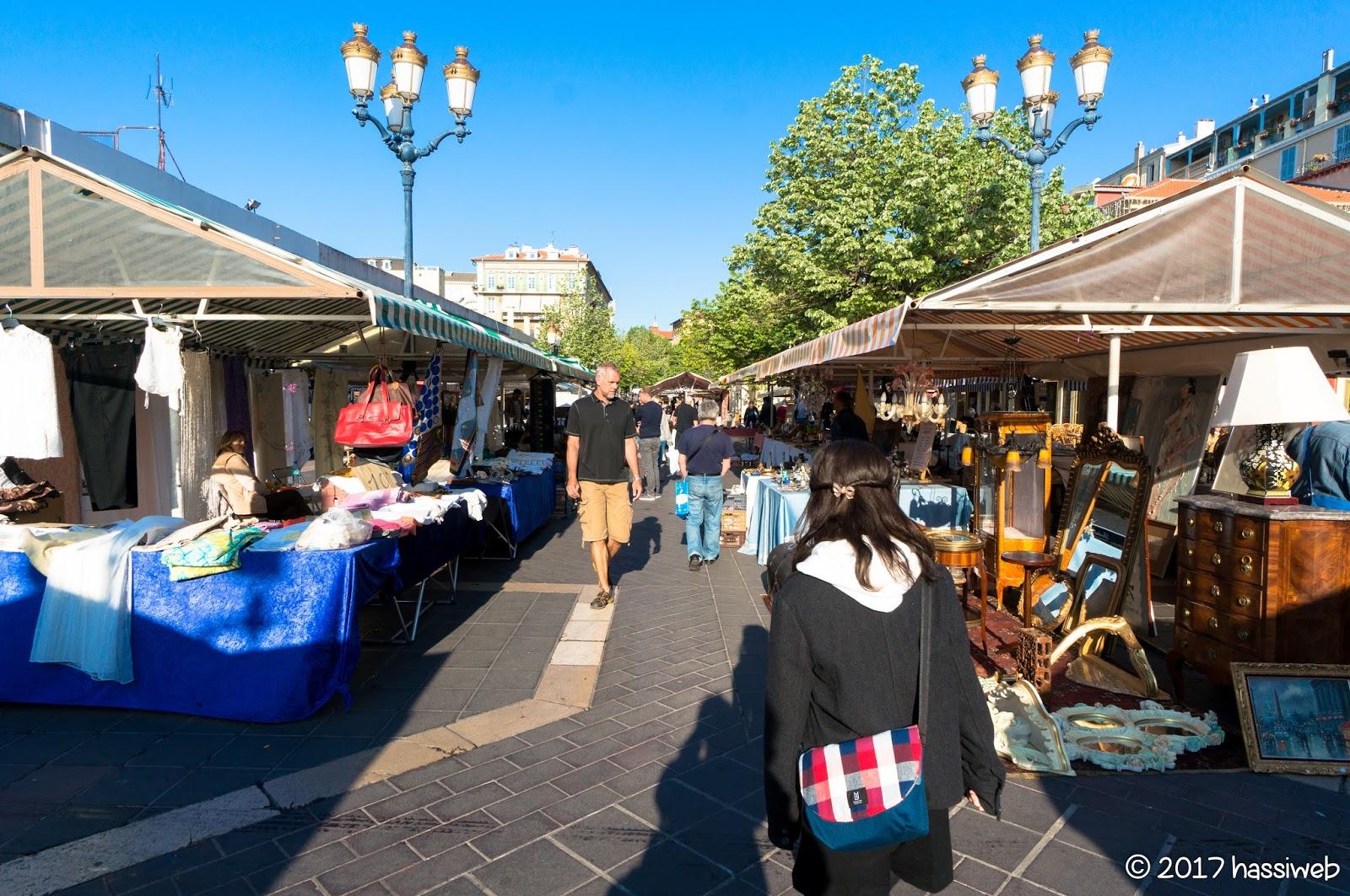 サレヤ広場 (Cours Saleya)