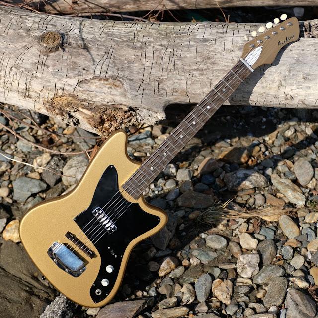 1960s harmony made airline bobkat electric guitar. Black Bedroom Furniture Sets. Home Design Ideas