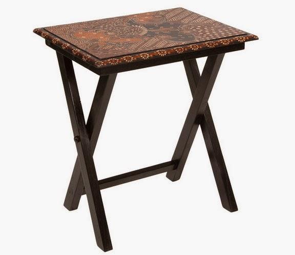 Mesa pequeña plegable decorada