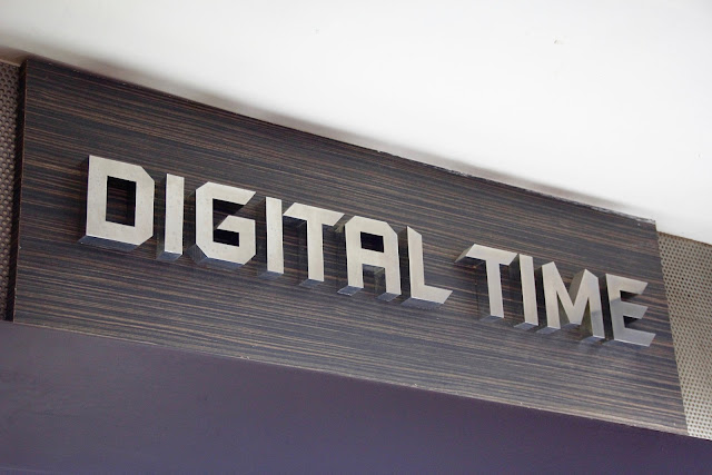 Choosing metal logo and letter store signs will add durability and suitable for modern products like gadgets