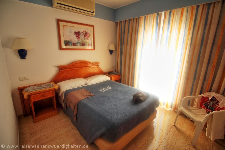 Schlafzimmer 2 im Hotel Riu Paraiso Lanzarote Resort