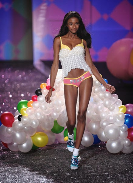 Lyndsey Scott chica Victoria Secret