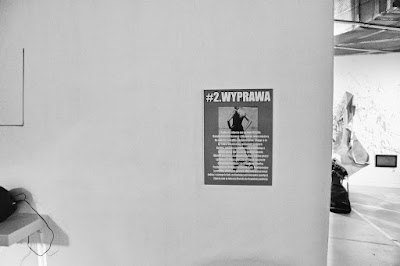 Gwałtem do sztuki, czyli Backdoor to heaven - skandaliczna wystawa w Rondzie Sztuki - Przemek Jeżmirski kradnie zdjęcie Łukasza Cyrusa i wiesza je na swojej wystawie.