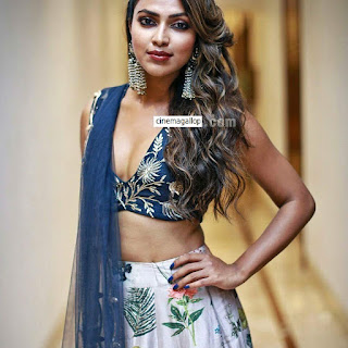 FB IMG 1506665886005 - Amala paul Sexy Naval Showing Images and Hot Cleavage Collections-Best Ever Photo Gallery