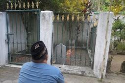Kiai Asy'ari adalah pendiri Pesantren Keras