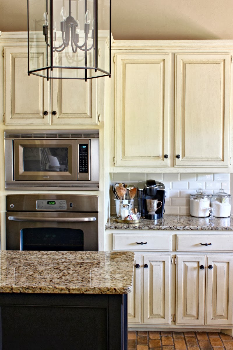 Kitchen subway tile backsplash pictures. kitchen subway tiles are ...