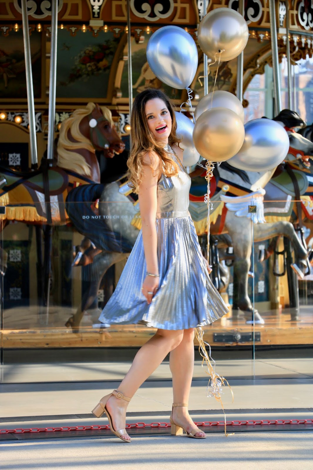 Nyc fashion blogger Kathleen Harper's Jane's Carousel photo shoot