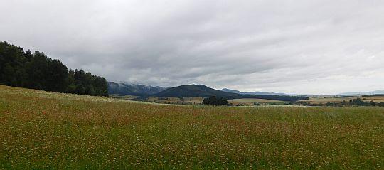 Widok na wzniesienie Mnich (523 m n.p.m.).