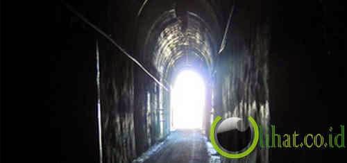 Cahaya di Ujung Terowongan