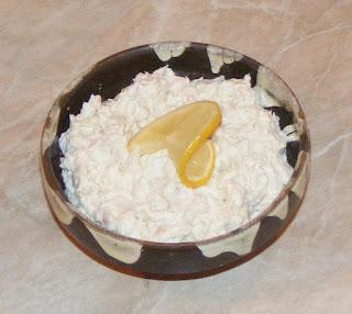 salata aperitiv, salate, salata de peste afumat, pastrav afumat cu maioneza si ceapa, retete de peste, preparate din peste, retete culinare,