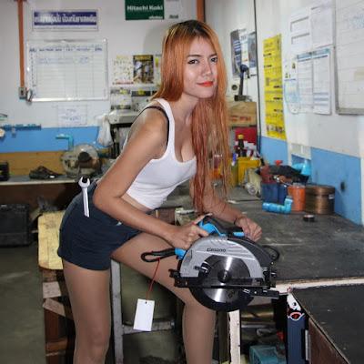 Buriram Zinsano Circular Power Saw Female Carpenter