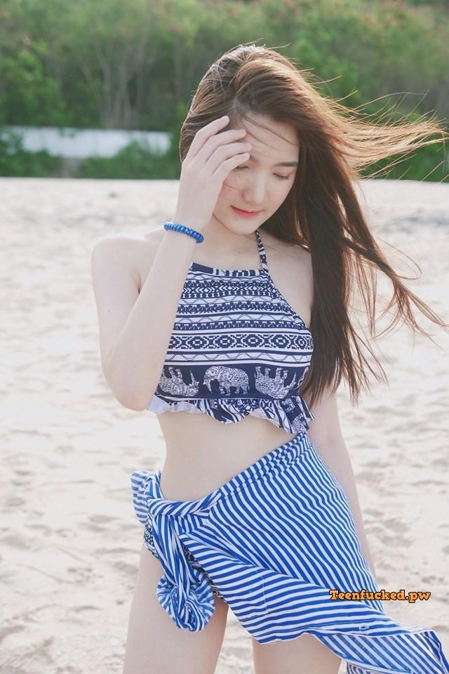 LOHeziH5AU wm - Sexy cute asian girl w/ blue bikini hottes 2020