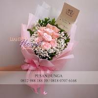 handbouquet pink soft, toko bunga jual mawar, jual handbouquet murah,