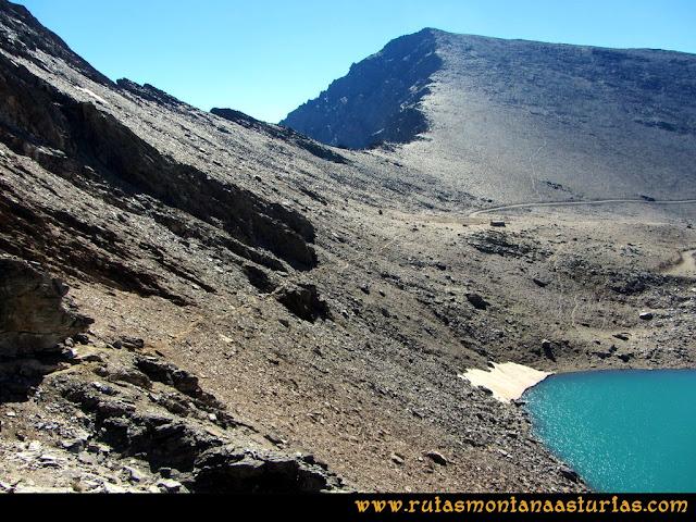 Ruta Posiciones del Veleta - Mulhacén: Bajando al Refugio de Caldera