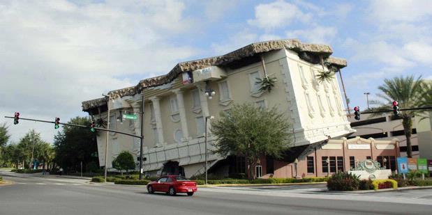 Wow! Inilah Rumah Unik Terbalik dari Orlando