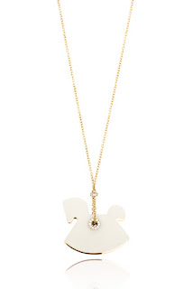 http://www.laprendo.com/SG/products/39626/VHERNIER/Vhernier-Follow-Me-Pendant-with-White-Jade-and-Diamonds-in-Rose-and-White-Gold?utm_source=Blog&utm_medium=Website&utm_content=39626&utm_campaign=08+Jul+2016