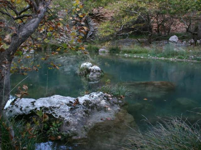 Αλφειός: Ο μεγαλύτερος ποταμός της Πελοποννήσου θα σας εντυπωσιάσει με τα υπέροχα χρώματα του (βίντεο)