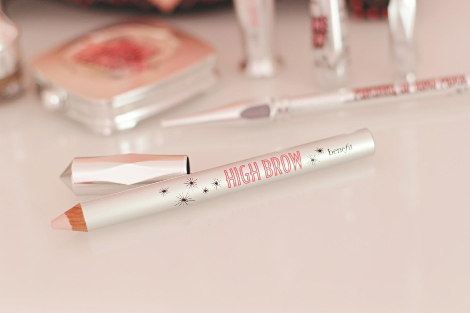 High Brow Benefit : crayon illuminateur à la texture crème