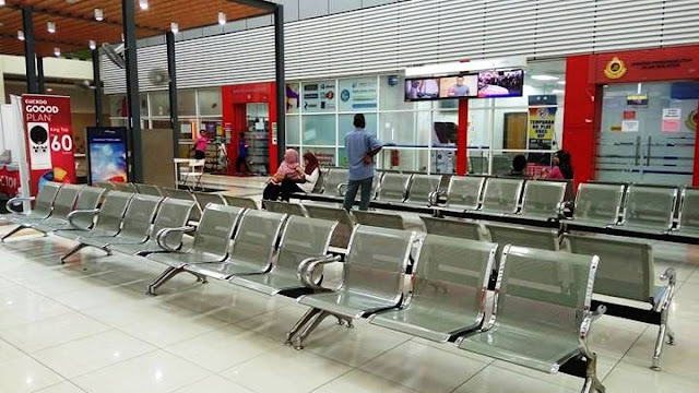 Spacious & Comfortable Waiting Area