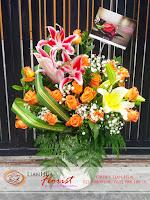 buket bunga, bunga mawar dan lily, rangkaian bunga meja, bunga ulang tahun, bunga ucapan selamat, toko karangan bunga, toko bunga jakarta, toko bunga