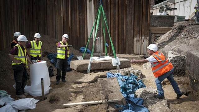 Contents of Roman coffin discovered in Southwark finally revealed