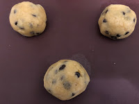 Boules de pâte à cookies Classic Foods of America avant cuisson