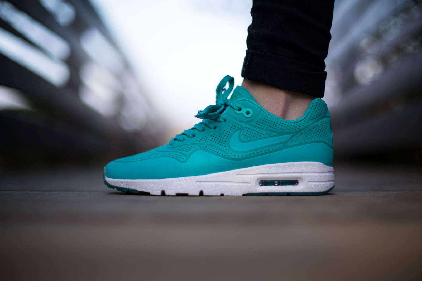 Sneakers Blog: nike air max 1 ultra moire light retro