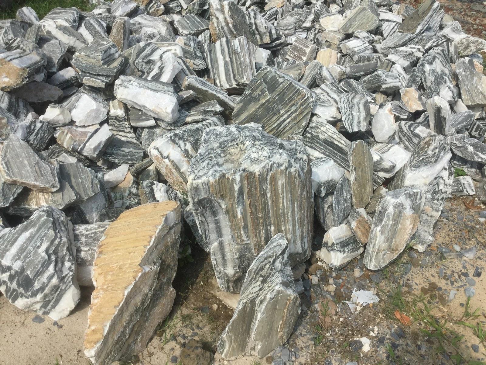 đá tuyết sơn là một loại đá thường dùng trong bể thủy sinh