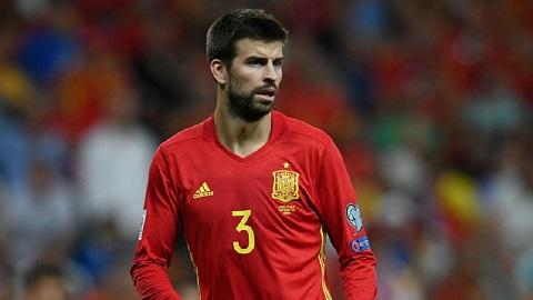 trung vệ Gerard Pique người Tây Ban Nha.