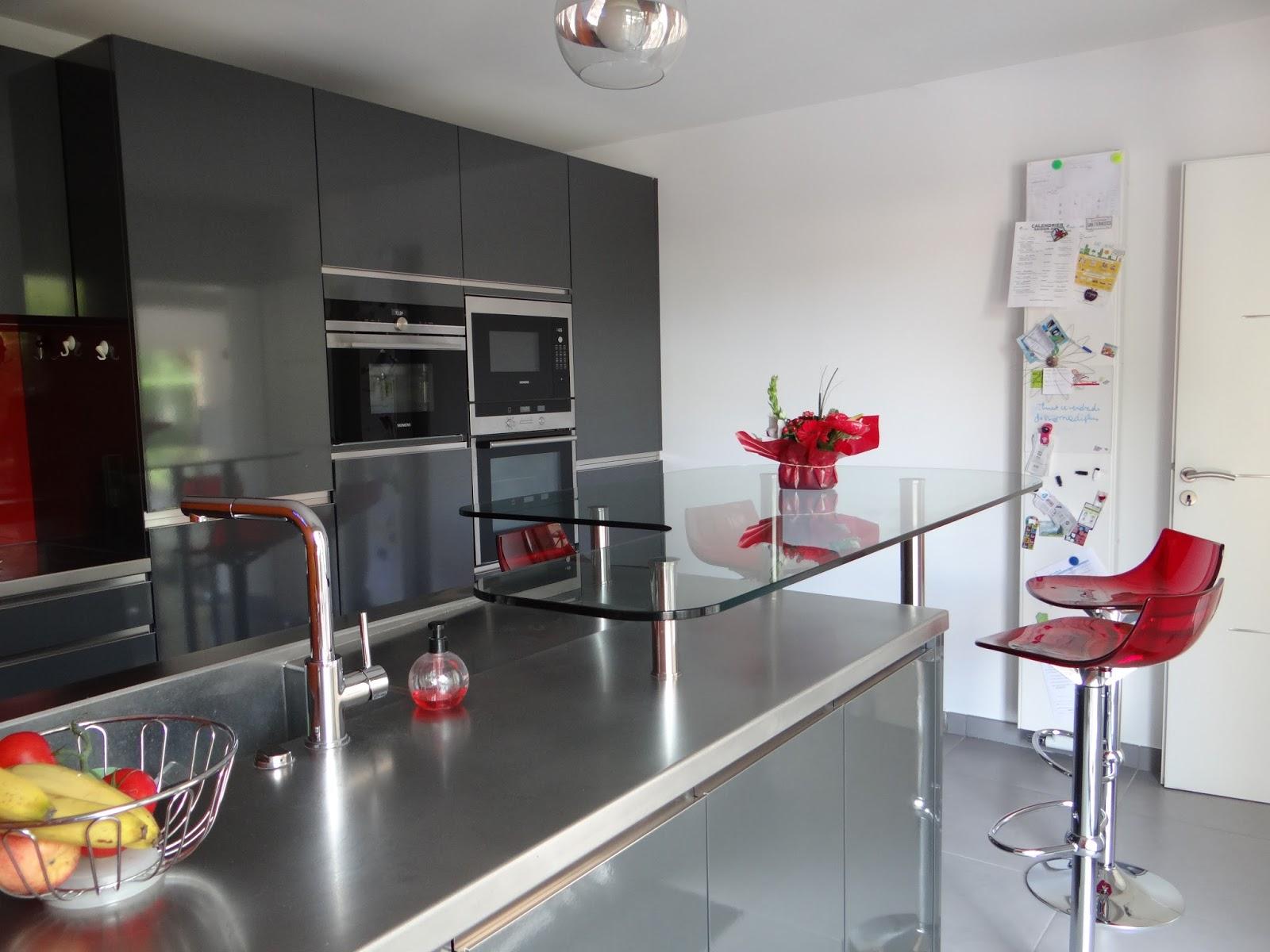 cuisine kiffa mobalpa top cuisines qui nous font rver elle dcoration with cuisine kiffa mobalpa. Black Bedroom Furniture Sets. Home Design Ideas