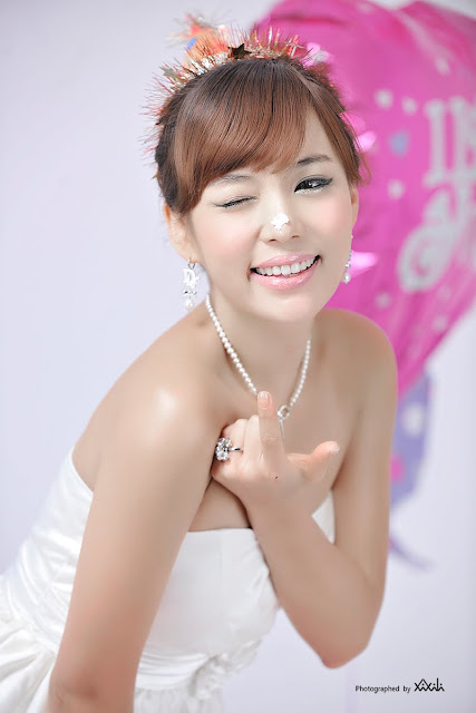 4 Kim In Ae and Mina – White Dresses - very cute asian girl-girlcute4u.blogspot.com