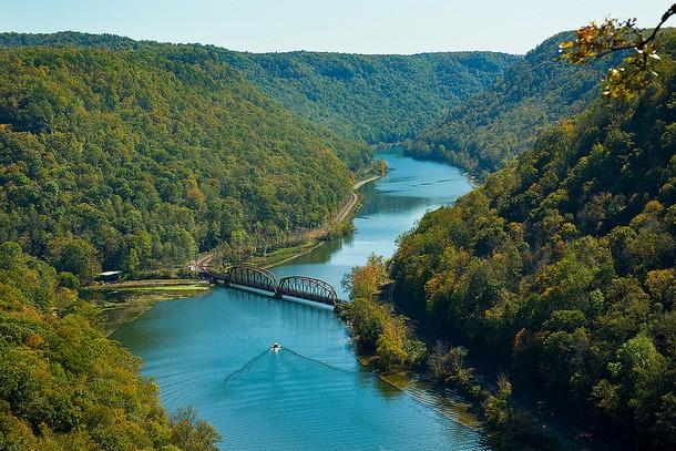 West Virginia Hawks Nest Bridge, Macdougal