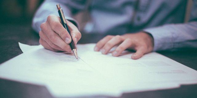 Conflicto de interés y contrataciones irregulares detectó la Contraloría en Coyhaique