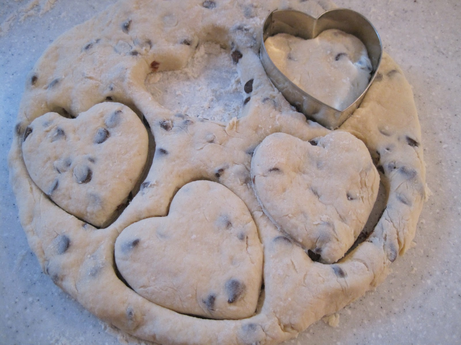 {Beautiful Nest}: Heart-Shaped Chocolate Chip Scones ...