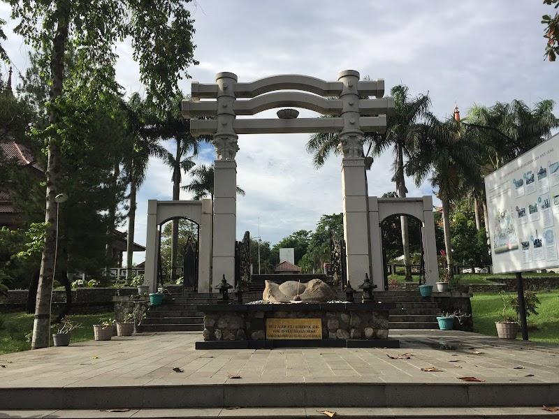 Jalan-Jalan Sendiri di Semarang