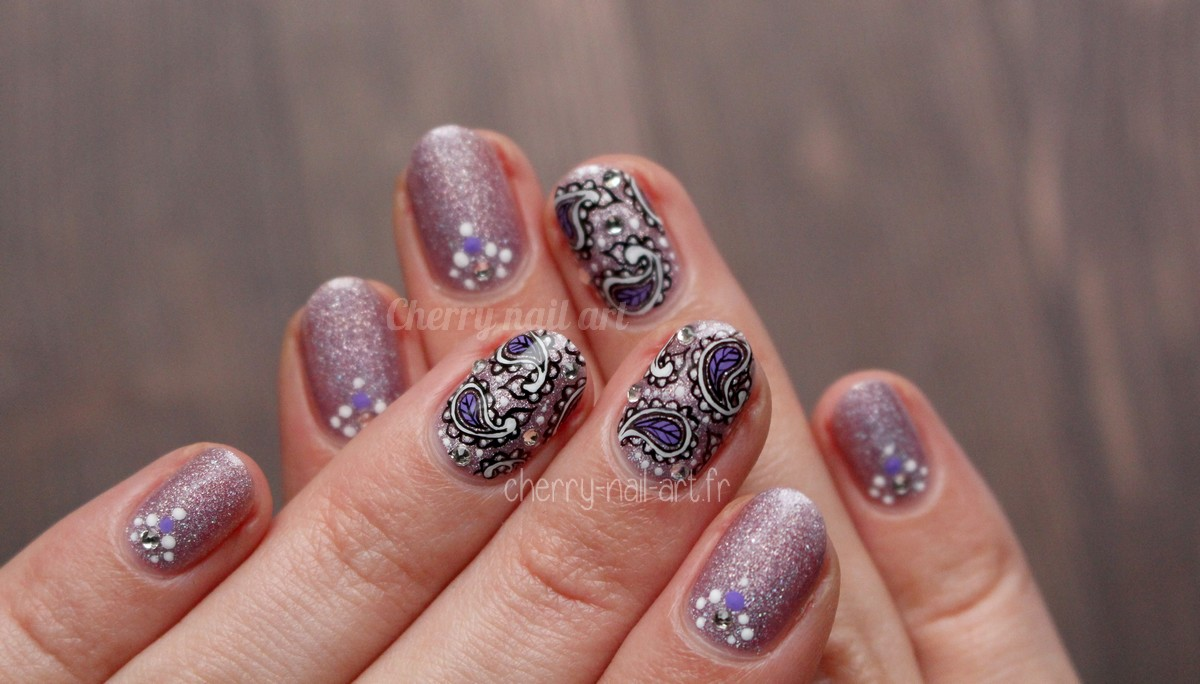 nail-art-cachemire-strass-paillettes