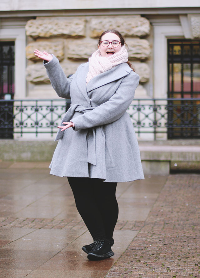 OOTD blogger outtake