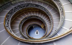 Τι πραγματικά κρύβεται στα ανήλιαγα και επτασφράγιστα υπόγεια του Βατικανού