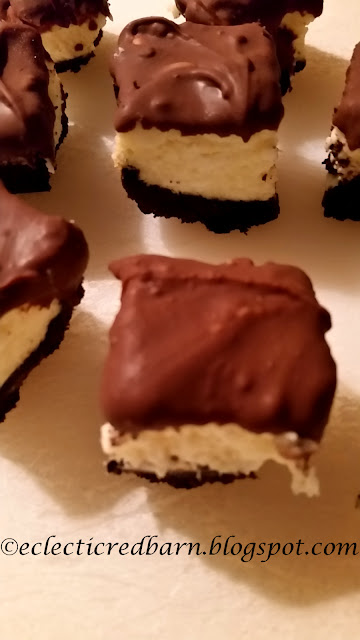 Eclectic Red Barn: Oreo Cheesecake Bites