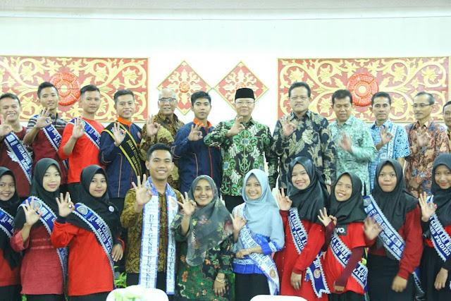 Plt Gub : Membangun Generasi Muda Sama Saja Memikirkan Indonesia Untuk 40 Tahun Mendatang