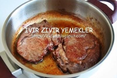 Kızartma tavasında sığır biftek nasıl pişirilir: klasik bir tarifi