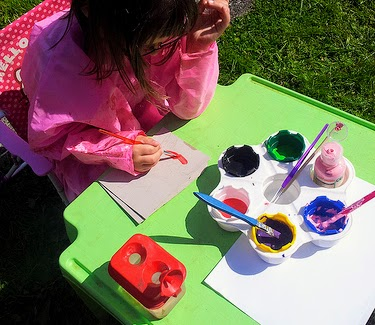 , 5 Crafts to Do Outdoors This Summer with Kids