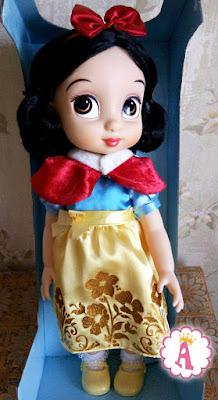 Большая кукла малышка из серии аниматоров из сказки Белоснежка и 7 гномов
