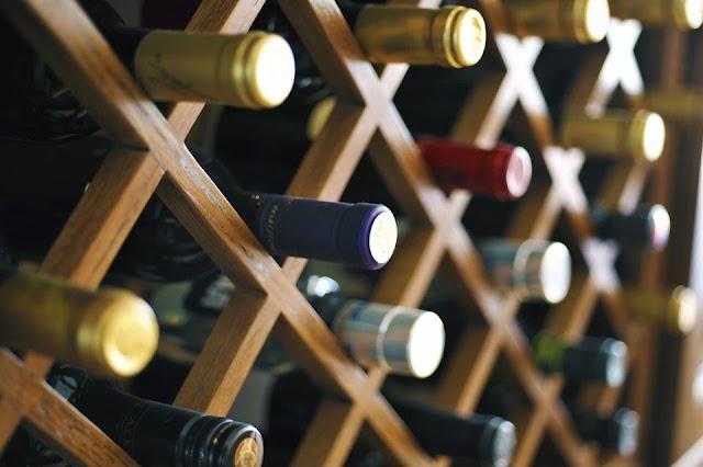Chọn tủ bảo quản rượu vang gia đình như nào là tốt nhất ?