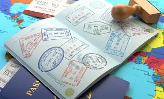 Spiegel: Εμπόριο με προσφυγικά έγγραφα στην Ελλάδα