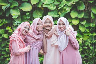 gaya berpakaian hijab anak remaja