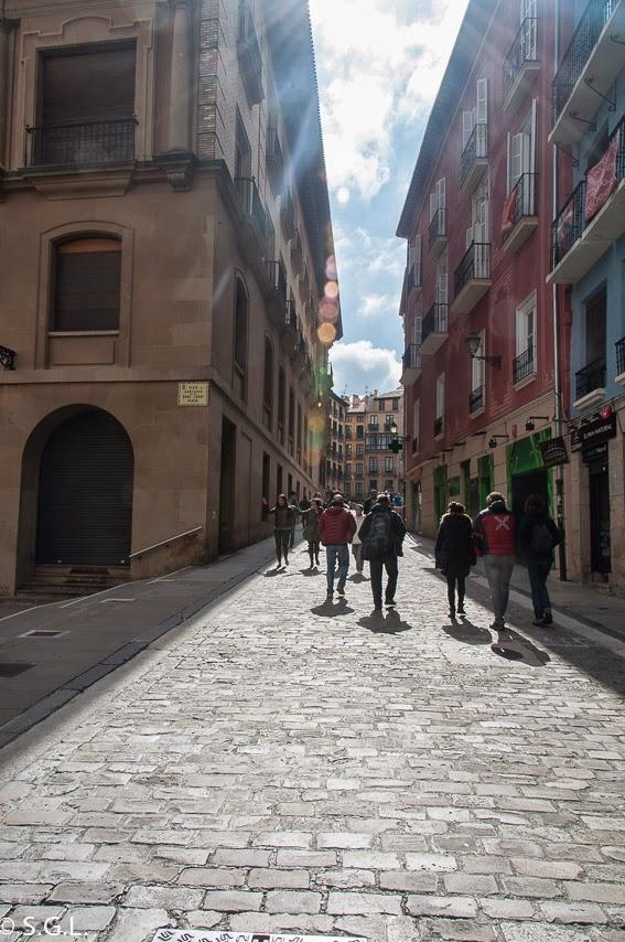 Calle Santo Domingo de Pamplona. 7 de Julio es San Fermin