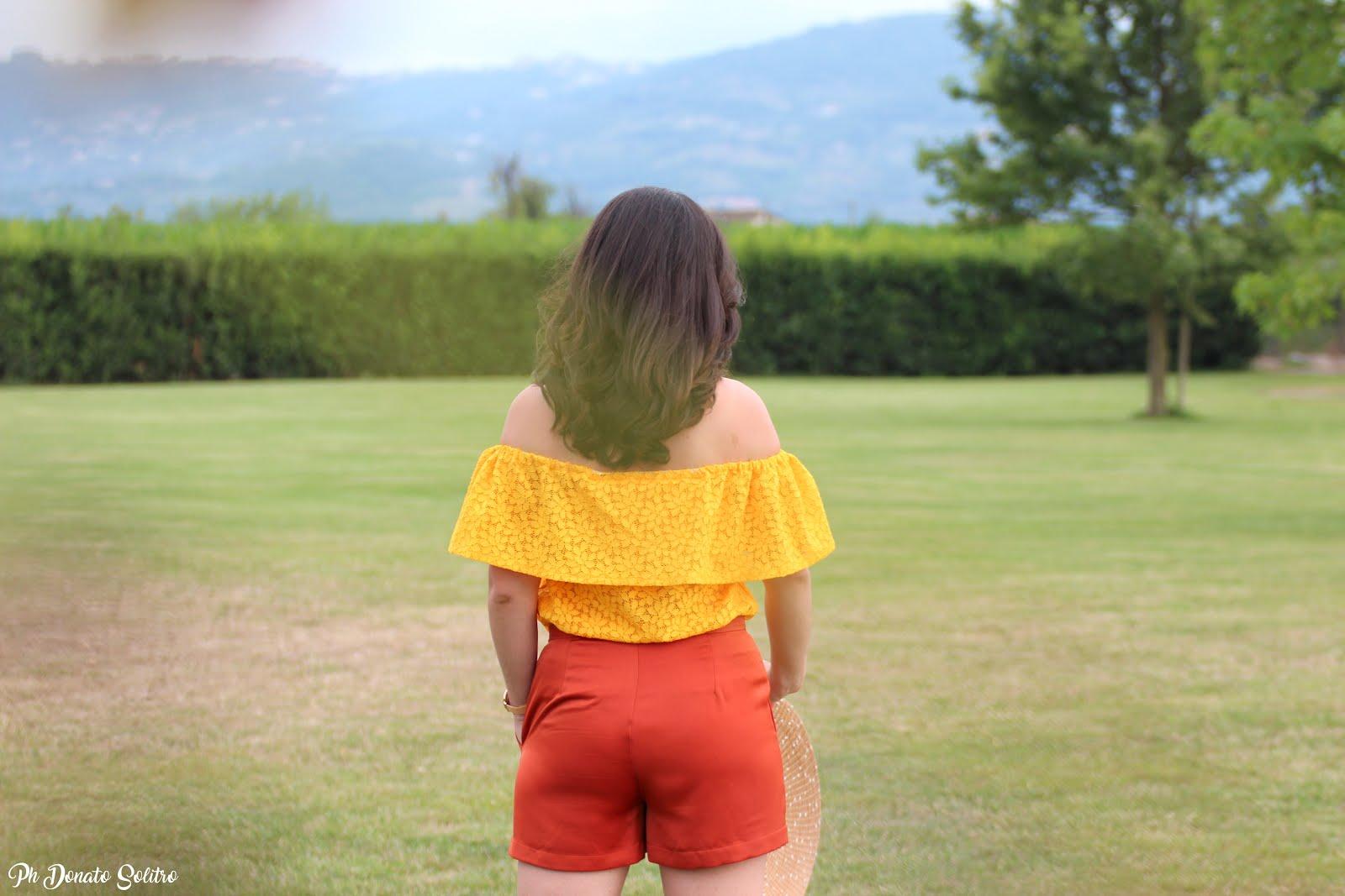 outfit giallo e arancio