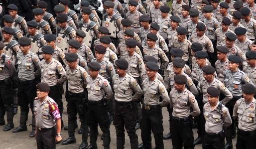 Definsis Polisi Menurutj Para Ahli