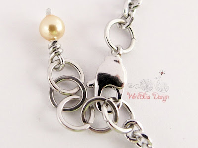 Wire wrapped Minima Bracelet (Minlet) with goldfilled beads - Clasp